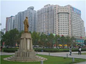 Yuema Square (阅马场; 閱馬場) near the Wuchang Uprising Memorial