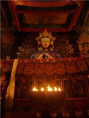Yak butter lamps in the Pelkhor monastery.jpg
