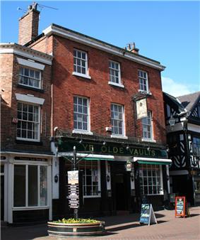 Ye Olde Vaults Inn, 48 High Street